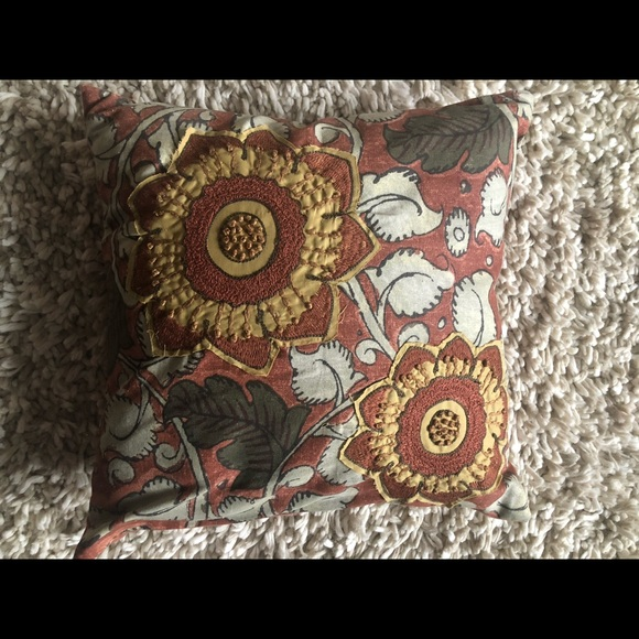 pottery barn decorative pillow cover